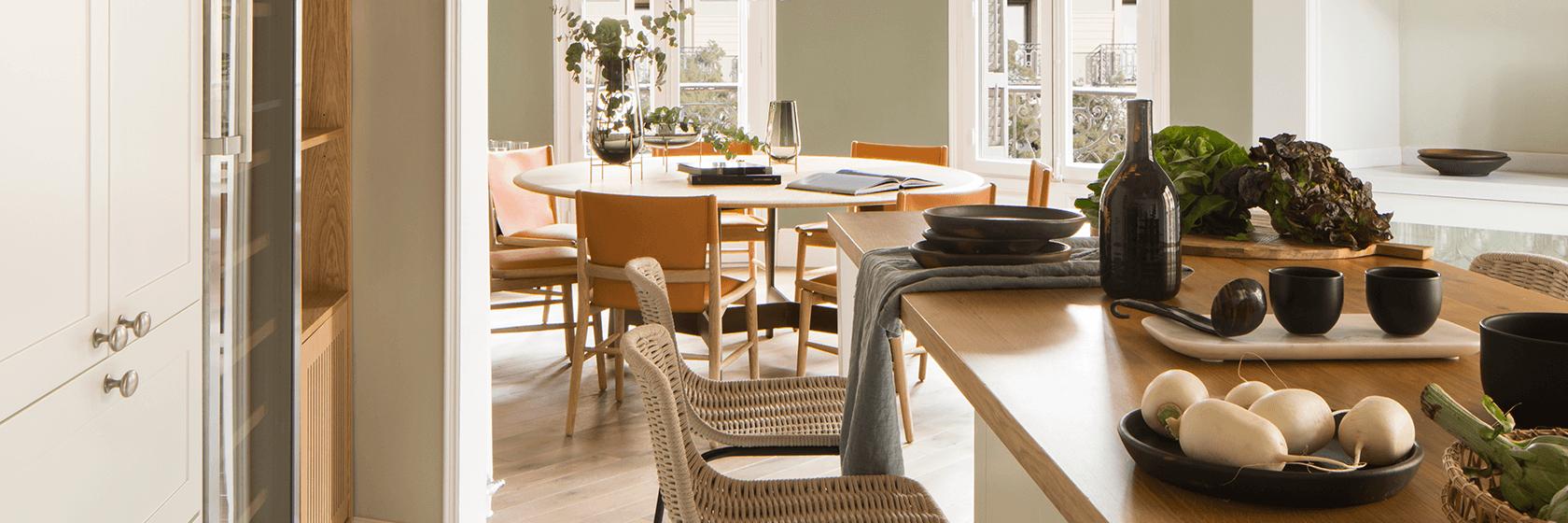 Una cocina con vistas al comedor | The Room Studio