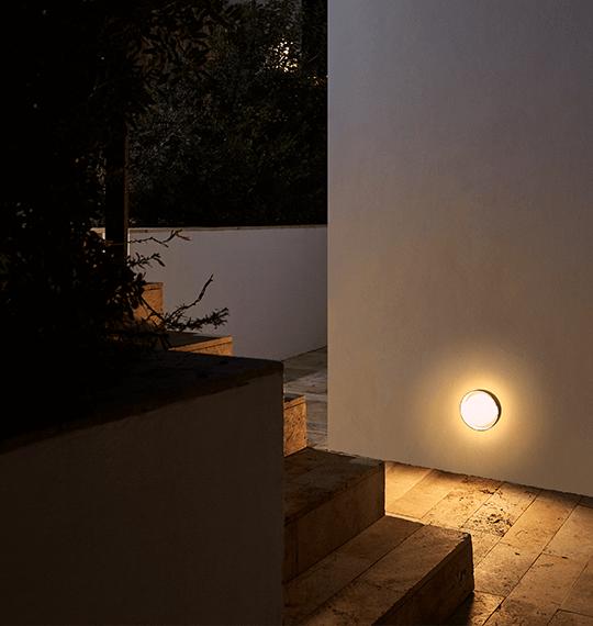 ¿Cómo puedes iluminar un jardín exterior? Los 4 consejos de oro | The Room Studio